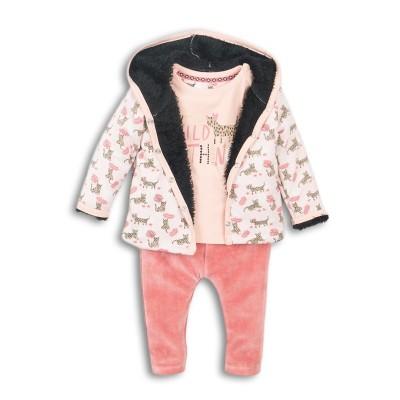 Σετ κοριτσιού 3 τεμαχίων βελούδινη φόρμα  (μπλούζα σχέδιο ζωάκι σε ροζ χρώμα,ζακέτα με κουκούλα με επένδυση εσωτερική γούνα,παντελόνι βελούδινο ροζ - σομον ) σε  ροζ - σομον  χρώμα της εταιρίας Dirkje