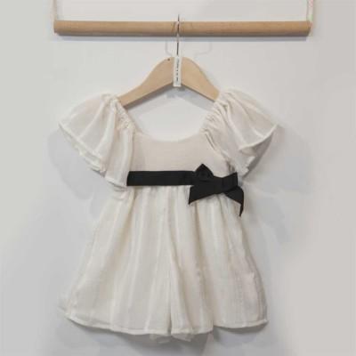 Φόρεμα κοριτσιού σε εκρού χρώμα με λεπτομέρεια στη μέση ζωνάκι μαύρο φιογκάκι Two in a Castle