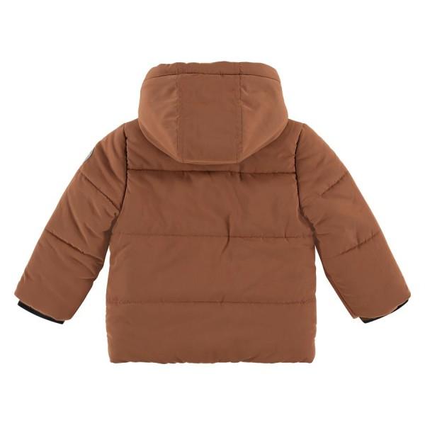 Μπουφάν αγοριού με κουκούλα σε caramel χρώμα με φερμουάρ που κλείνει & κουμπιά της εταιρίας Babyface BBE21507175