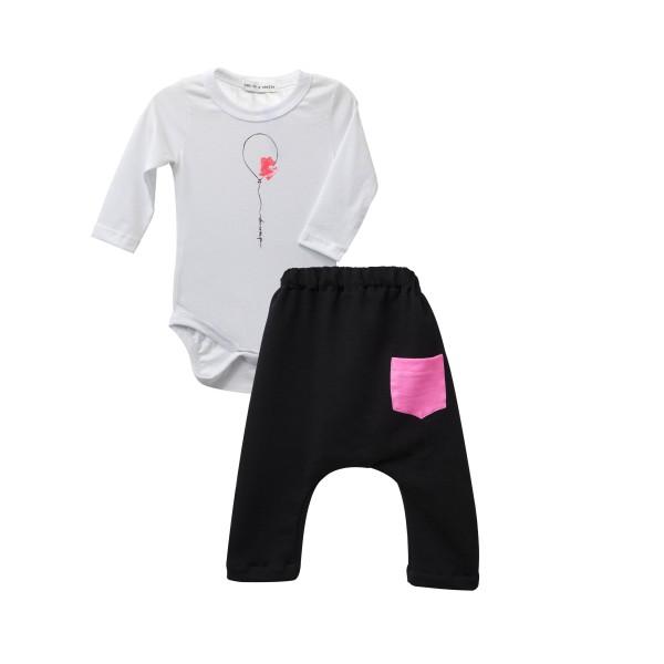 Σετ - Εσωτερικό φορμάκι κοριτσιού  μακρυμάνικο λευκό με σχέδιο μπαλόνι και παντελονάκι μαύρο με φούξια τσέπη - Two in a Castle