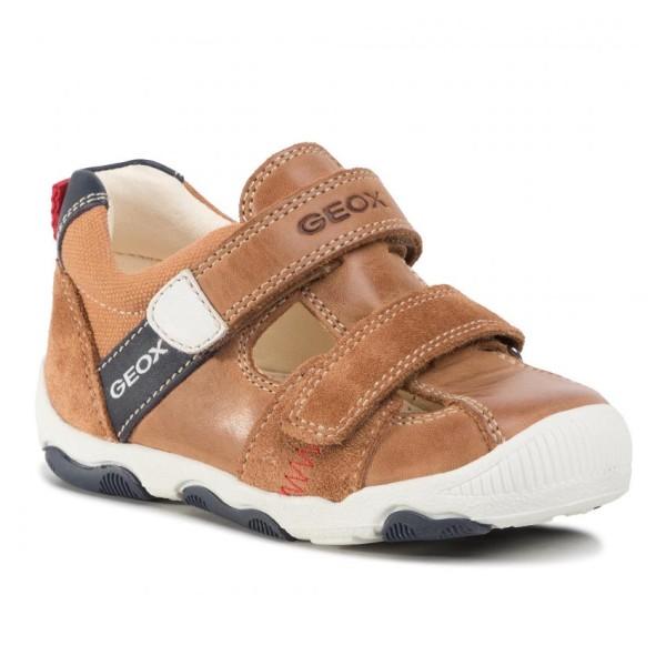 Κλειστά παπούτσια GEOX B020PA 0CL10 C5102