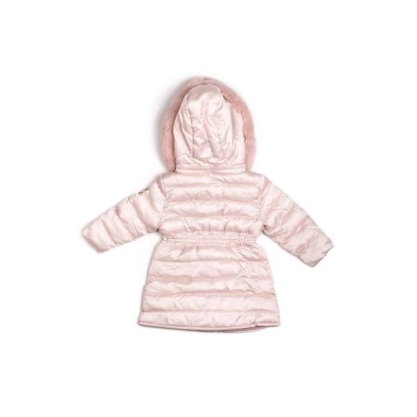 Μπουφάν κοριτσιού σε ροζ παστέλ χρώμα με  τσέπες στο μπροστινό μέρος,λεπτομέρεια σούρας στη μέση, ιδιαίτερα κουμπιά διπλά και γούνινη κουκούλα της εταιρίας  Coconudina